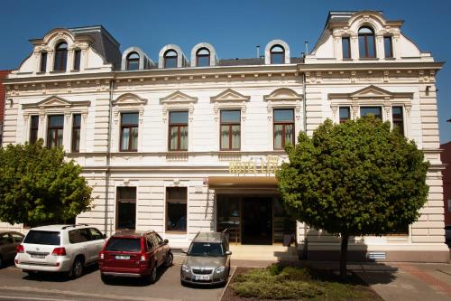 Hotel Pictures: Hotel Lev, Lovosice