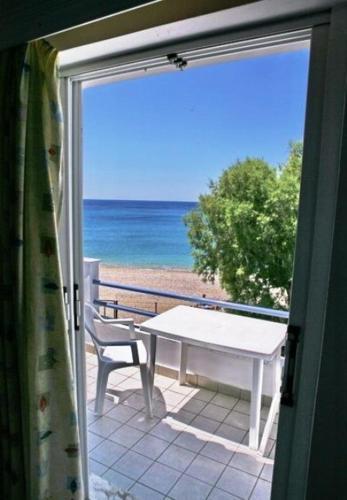 Pano Sto Kyma, Hotel, Agios Isidoros Plomari, Lesvos, 81200, Greece
