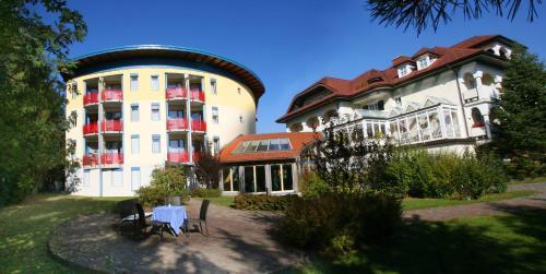Hotel & Kurpension Weiss