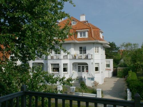 Foto Hotel: Hotel Alizee, De Haan