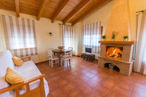 Hotel Pictures: Casas Lo Tossal, Beceite