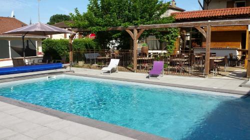 Hotel Pictures: , Saint-Étienne-de-Maurs