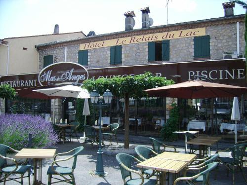 Hotel Pictures: Le Relais Du Lac, Montauroux