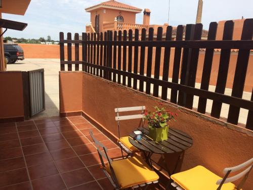 Hotel Pictures: Apartamento Maria Victoria, Campano