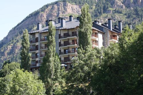 Hotel Pictures: Prados de Velarta, Cerler