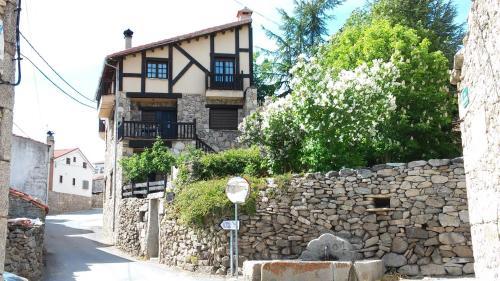 Hotel Pictures: , Navarredonda de Gredos