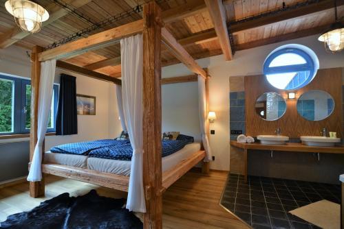 Hotel Pictures: Farma Noe, Březina