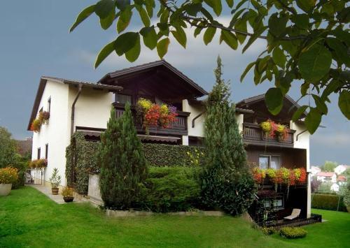 Hotel Pictures: Landhaus Lehner, Ruhstorf