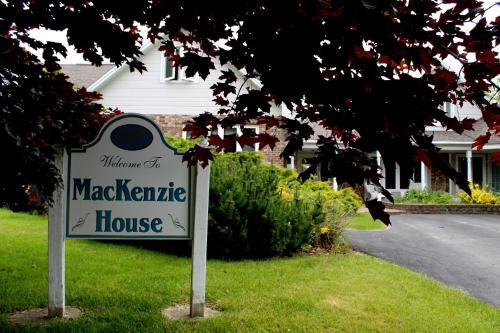 MacKenzie House Tourist Home B&B