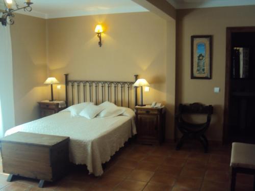 Hotel Pictures: , Castillo de Bayuela
