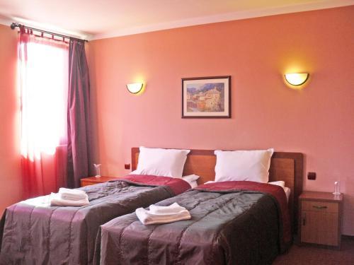 Hotellikuvia: Family Hotel Balkana, Gabrovo
