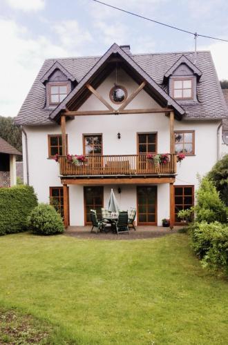 Hotel Pictures: Apartment Krämer, Kelberg