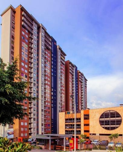 Hotel Pictures: Metro Apartment, Bello