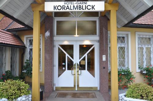 Фотографии отеля: Hotel Garni Koralmblick, Санкт-Канциан