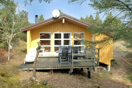 Hotel Pictures: Two-Bedroom Holiday Home Uglevej 09, Vejers Strand