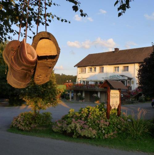Hotel Pictures: Landgasthof Bergische Rhön, Lindlar