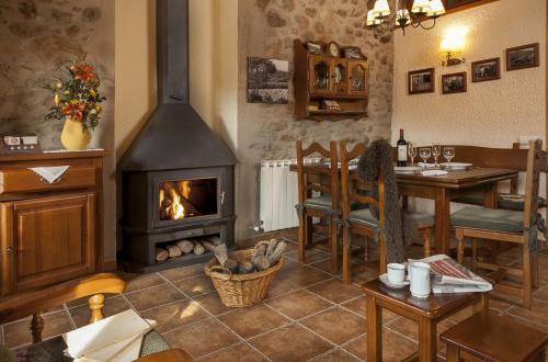Hotel Pictures: La Batllia II, Sant Joan de les Abadesses