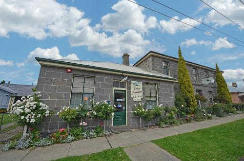 William Dutton Motel Portland Book Your Hotel With