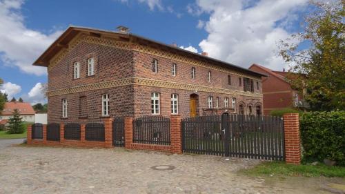 """Hotel Pictures: Nitschke """"Zum Nusshof"""", Ahrensfelde"""