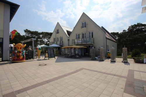 Hotel Pictures: Ferienwohnung Eichhorst, Trassenheide