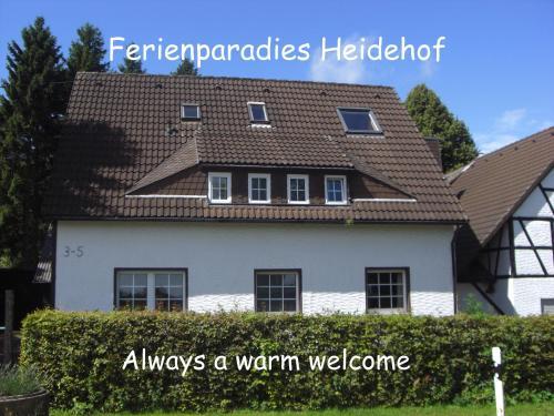 Hotel Pictures: Pension Ferienparadies Heidehof, Hellenthal