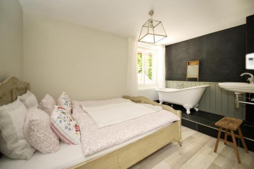 Hotel Pictures: Hotel Langenberg, Langnau am Albis
