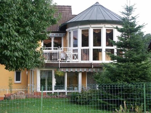 Hotel Pictures: Ferienwohnung Bischoff, Michelstadt