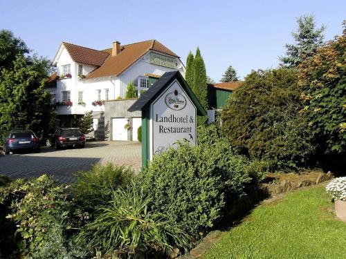 Hotel Pictures: Landhotel-Restaurant Schwalbennest, Zierenberg