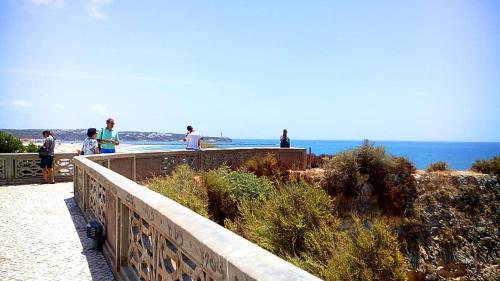 Mesa e Casa Encantada - Praia da Rocha
