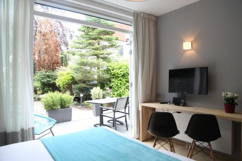 Hotel Pictures: Alp de Veenen Hotel, Amstelveen