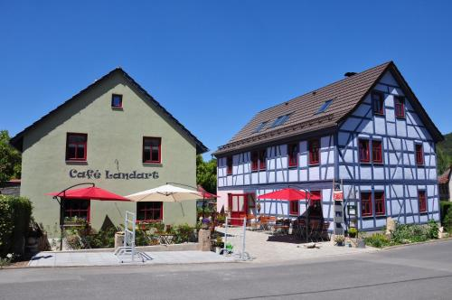 Hotel Pictures: Café Landart im Thüringer Finistere, Plaue