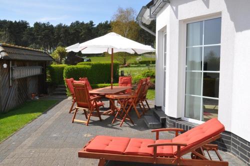Hotel Pictures: Ferienhaus Achterwasseridyll - FeWo 02, Lütow