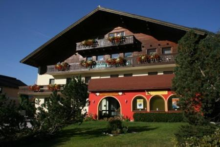 Фотографии отеля: Pension Edelweiss, Санкт-Мартин-ам-Тенненгебирге