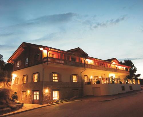 Hotel Pictures: , Aras de Olmos