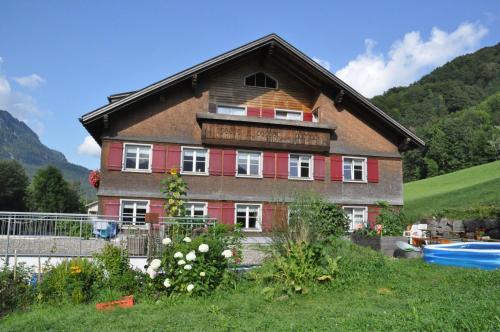 Hotellikuvia: Mühlehof-Ennemoser, Schnepfau
