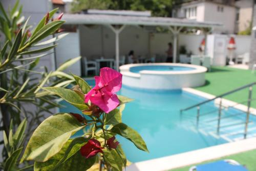 Fotos do Hotel: Saint George Family Hotel, Velingrad