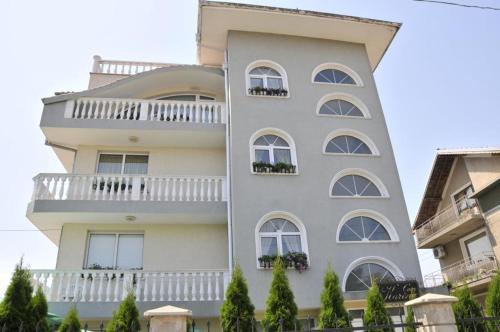 Fotos do Hotel: Villa Karina, Kavarna