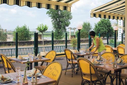 Hotel Pictures: , Le Mesnil-en-Vallée