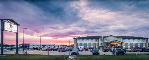 Hotel Pictures: Timber Ridge Inn and Suites, Fox Creek