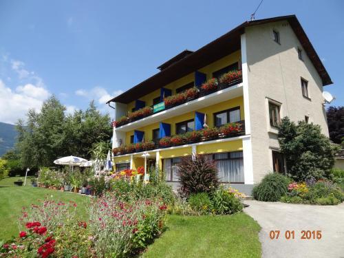 Hotel Pictures: Pension Brönimann, Ossiach