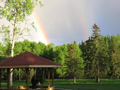 Hotel Pictures: Black Cat Guest Ranch, Brule Mines