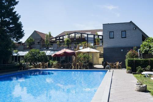 Hotellikuvia: Hotel Pacific, Weelde