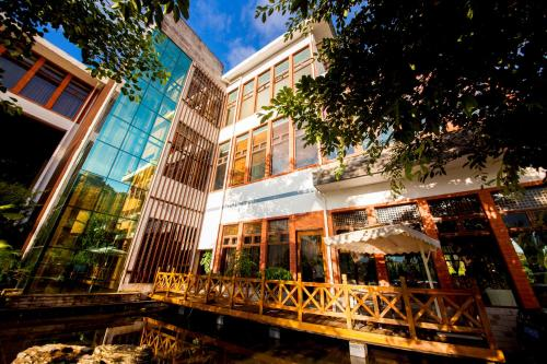 Hotel Pictures: Jade Hot Spring Hotel, Tengchong