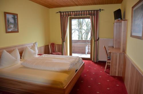 Фотографии отеля: Gasthof-Pension Urzn, Альтмюнстер
