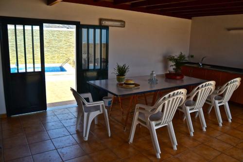 Hotel Pictures: Casa Nora, Güime