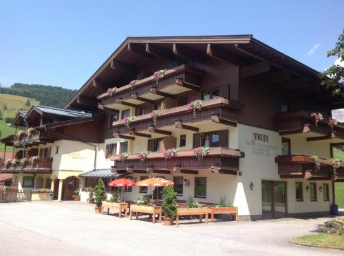 Foto Hotel: Sportalm Hintermoos, Maria Alm am Steinernen Meer