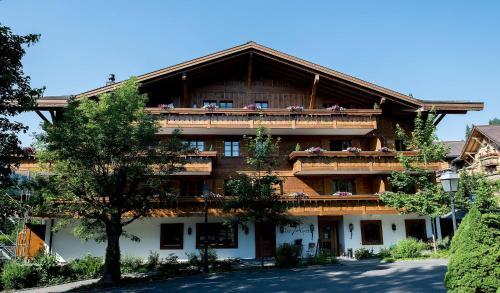 Hotel Pictures: Garni Hotel des Alpes by Bruno Kernen, Saanenmöser