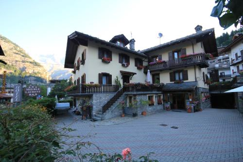 Aria courmayeur a michelin guide restaurant for Meuble berthod courmayeur