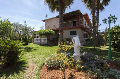 Hotel Pictures: Villa Luxury Garden, Marratxí