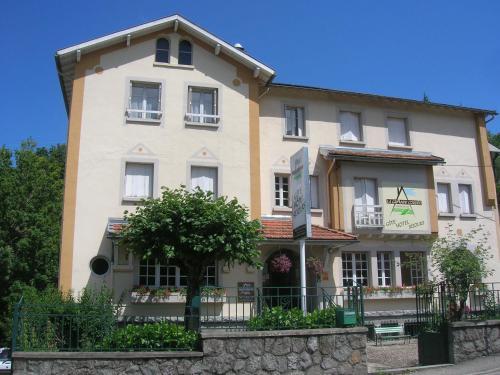 Hotel Pictures: Hôtel La Grande Cordée, Ax-les-Thermes